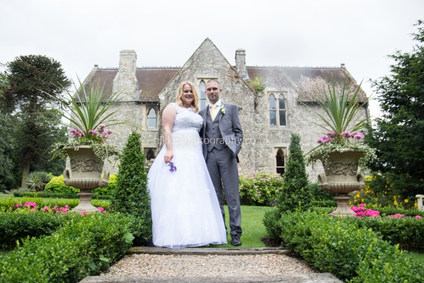 Nikki-Price-Photography-informal-wedding-kent-medway-knowle-house-higham-